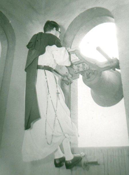 campanas_sabado_gloria_volteadas_religioso_madrid_abril_1955